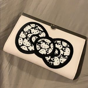 EUC Hello Kitty canvas material clutch wallet